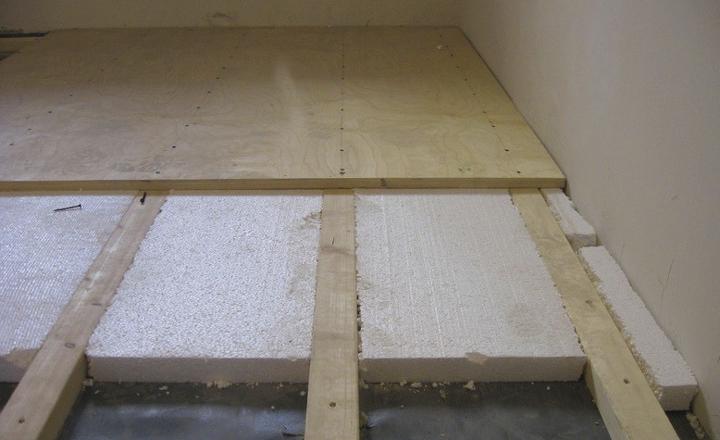 Процесс монтажа деревянного пола
