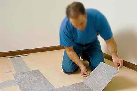 Монтаж напольной виниловой плитки