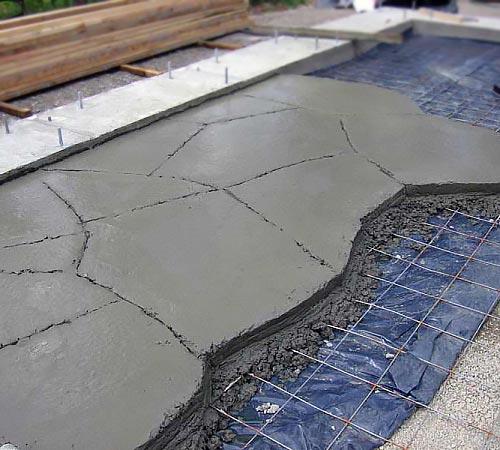 Укладка бетона на грунт