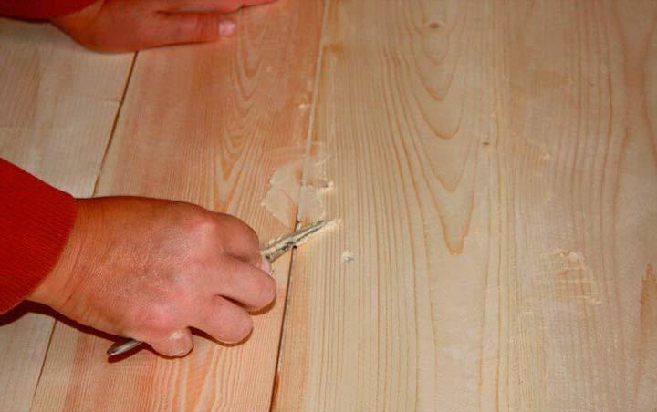 Шпаклевка щелей деревянного пола