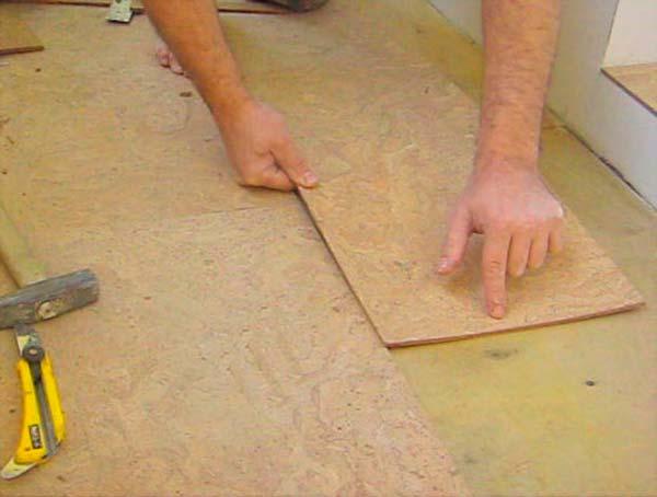 Монтаж плитки с пробковым покрытием