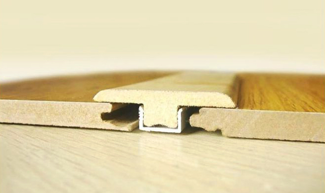 Деформационный шов с планкой