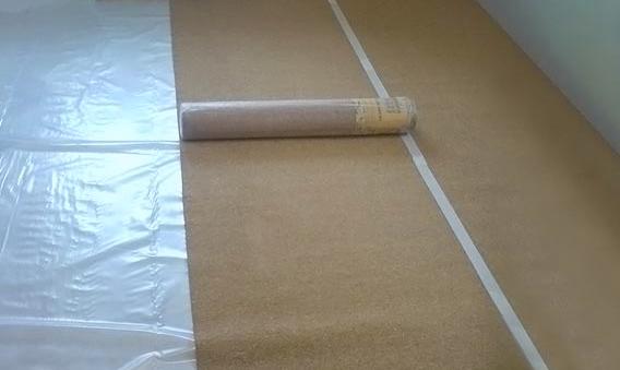 Укладка пробковой подложки с гидроизоляцией