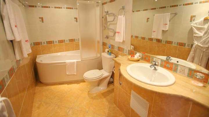 Полы в ванной комнате и туалете