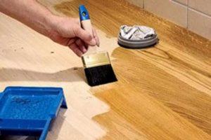 Покраска деревянного пола