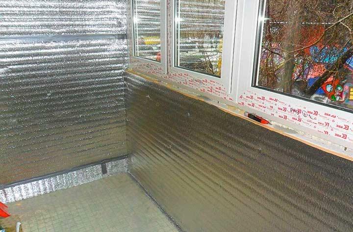 Утепление балкона фольгированным утеплителем