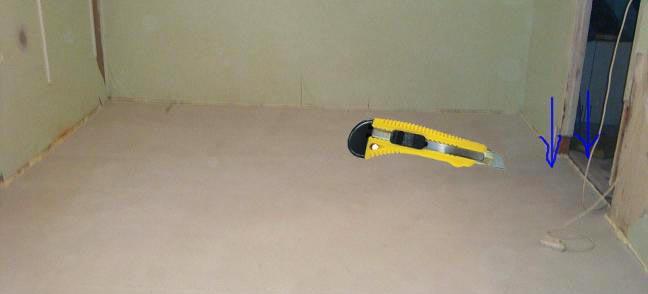 Обрезка излишней изоляционной пленки и ленты после стяжки