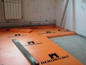 Пеноплекс в квартире на полу