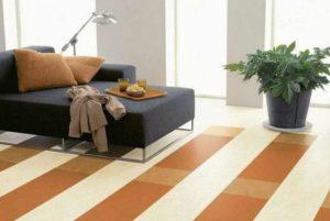 Полоски линолеума в дизайне комнаты